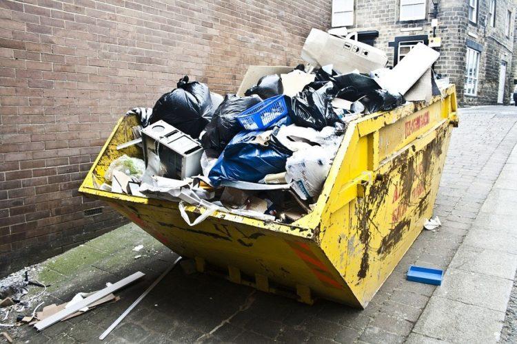 Ile kosztuje wynajęcie kontenera na śmieci?