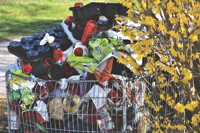 Gospodarowanie odpadami komunalnymi – jak je składować?